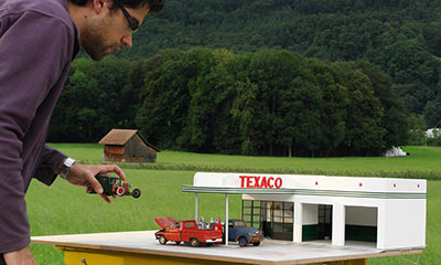 gas-station-forced-perspective-02