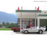 gas_station_diorama_05